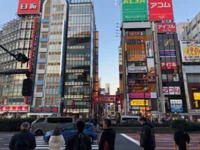 歌舞伎町の前